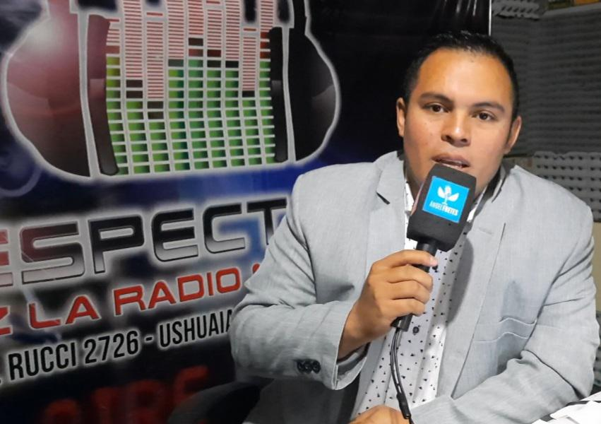 Angel Fretes radio estudio